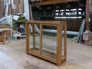 木枠ガラスケース(斜め型)-引き違い戸