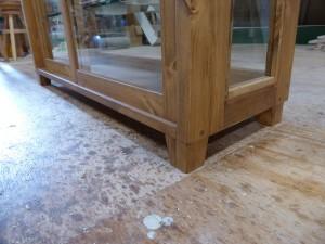 木枠ガラスケース(斜め型)-テーパー脚