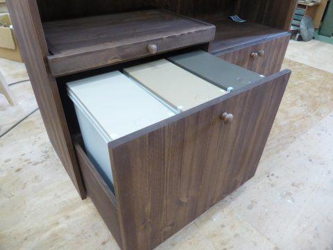 キッチンカウンターのダストボックス収納