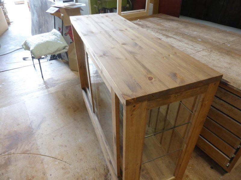 3面ガラスショーケース(パイン材の天板)