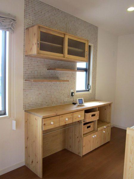 キッチンカウンター180cm&チェッカーガラス吊り戸棚110cm